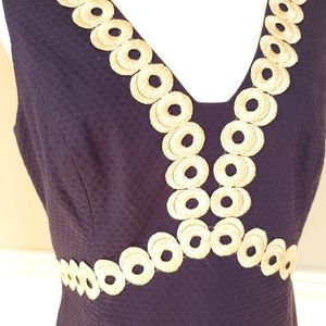 Lilly Pulitzer Dresses - Lilly Pulitzer Navy & Gold Shift Dress